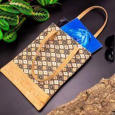 Cumpara aceasta geanta de zi de dama, eleganta si super rezistenta!