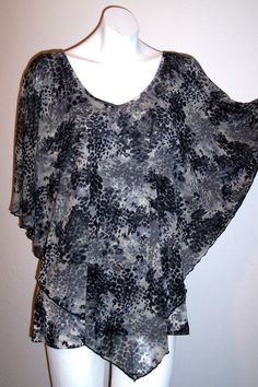 Suzie In The City Top L Leopard Batwing Stretch Knit Pullover Shirt Womens Large #SuzieintheCity #KnitTop #Casual