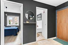 Dark hallway. Colour: Dempet sort, JOTUN.NO