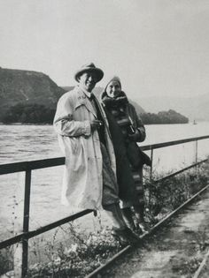 Aino and Alvar Aalto during a journey in mainland Europe, in early 1930 Alvar Aalto, Garden Architecture, Helsinki, Scandinavian Design, Contemporary Design, Modern Furniture, Furniture Design, Iittala, Native Country
