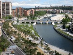 Proyecto Madrid-Río / Burgos & Garrido, Porras La Casta, Rubio A. Sala, West 8,Jardines del Puente de Segovia