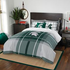 Michigan State Spartans NCAA Full Comforter Set (Soft & Cozy) (76 x 86)
