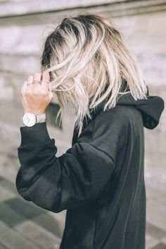 16 inspirations pour adopter le tie and dye blond colorations cheveux pinterest coiffure. Black Bedroom Furniture Sets. Home Design Ideas