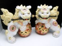 I love Asian art and have a few Chinese Foo Dogs decorating my bedroom.