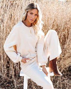 Tops – Page 20 – VICI Long Sleeve Tops, Bell Sleeve Top, Dress Bar, Tan Handbags, Suede Heels, Wide Leg Pants, Lounge Wear, Cotton, Fashion Trends