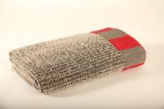 Linen towel by Pisa Design, Pisa Designin pellavapyyhe. www.pisadesign.fi