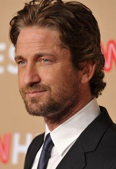 Gerard Butler -   this is the GB look I love.