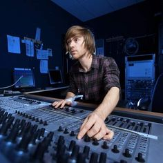 Diploma in Sound Technology As a future technician of sound, the Diploma in Sound Technology will provide some added beat to your practical skills, including mix down techniques, studio procedures, production techniques, basic studio acoustics and business management, and will also educate you on the theoretical knowledge you'll need to hit the right note in your chosen career path.