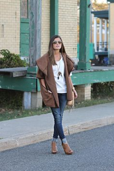 Taupe Choice | H&M cape/poncho, Rag & Bone jeans, Francesca's wedges, Kelsey's Feathers necklace, Rebecca Minkoff bag, fall fashion, casual outfit, street style