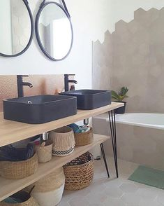 Meuble salle de bain avec HAIRPIN LEGS sur mesure This bathroom furniture and its storage are made from legs hairpin Diy Bathroom Decor, Bathroom Furniture, Small Bathroom, Bathroom Ideas, Bathroom Renovations, Master Bathroom, Recessed Medicine Cabinet, Estilo Tropical, Contemporary Living Room Furniture