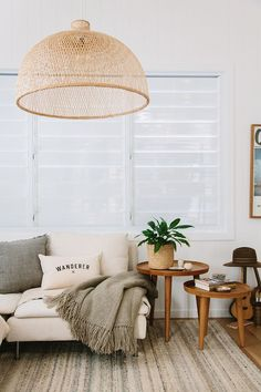 10 Tips How To Build A Lightweight House Decoration Design - Interior Design Ideas for Modern Home - Interior Design Ideas for Modern Home Living Room Update, Boho Living Room, Living Room Lighting, Living Room Interior, Home And Living, Living Rooms, Modern Living, Small Living, Cozy Living