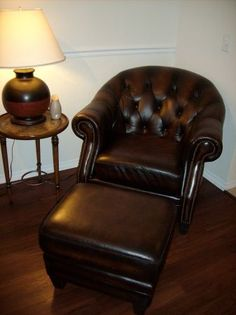 tampa matching leather chair and ottoman 200