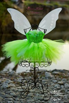 I'll be making something just like this for Aria's Halloween costume!
