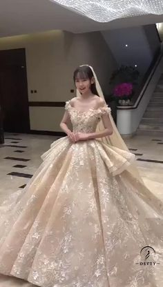 All the display wedding gowns, party dress can be customized by your personal size. For more details, please contact e-mail: service@ostty.com #weddinggowns #wedding #weddingdress #ostty #Springwedding Puffy Wedding Dresses, Puffy Dresses, Modest Wedding Dresses, Elegant Wedding Dress, Wedding Playlist, Wedding Videos, Wedding Photos, Princess Ball Gowns, Princess Wedding Dresses