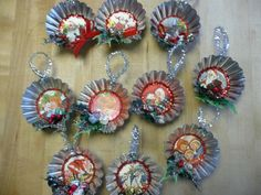vintage tart tin ornaments - no instruction to make these, but I think you could figure it out. Use old or new stock Christmas Cards for backgrounds Christmas Ornaments To Make, Xmas Crafts, Homemade Christmas, Rustic Christmas, Christmas Projects, Christmas Decorations, Christmas Décor, Christmas Sewing, Victorian Christmas