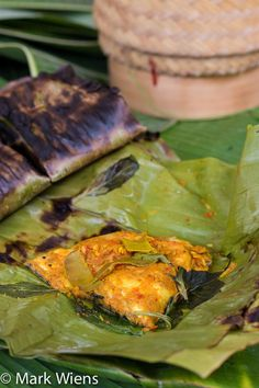 Thai Fish Grilled in a Banana Leaf – Try This Recipe Today Fish grilled in a banana leaf, try this awesome Thai recipe today! Thai Recipes, Fish Recipes, Seafood Recipes, Asian Recipes, Cooking Recipes, Healthy Recipes, Thai Cooking, Thai Dishes, Fish Dishes