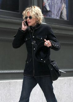 Meg Ryan Photos - Actress Meg Ryan talks on her cell phone as she walks through the streets of SoHo. Meg is currently filming her new movie 'Lives of the Saints'. - Meg Ryan Walks and Talks in SoHo Meg Ryan Hairstyles, Haircuts For Curly Hair, Bob Hairstyles, Short Wavy, Short Curly Hair, Short Hair Cuts, Meg Ryan Photos, Medium Hair Styles, Curly Hair Styles