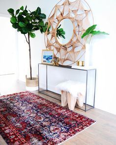 Until now I've always avoided sharing our entryway 🙈 It's a little, windowless space that rarely gets any natural light and it just had me… Interior Decorating Styles, Condo Decorating, Modern Interior Design, Apartments Decorating, Entryway Art, Entry Hallway, Entryway Tables, Condo Living, Small Living Rooms