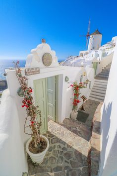 Path in Oia - Santorini, Greece