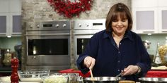 In her new D.C. special, Ina Garten cooks with the White House executive chef and sits down to tea with Michelle Obama. Oh my goodness my mom and I watch Ina every weekend! Ahhh! Too excited!