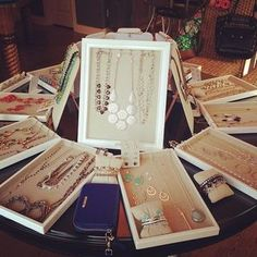 Love this gorgeous circular display at an #SDTrunkShow | Stella & Dot