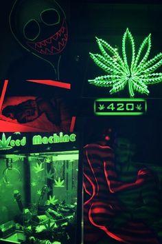 #Wallpaper #neonlight #marijuana #canabis #tumblr Weed Backgrounds, Cute Wallpaper Backgrounds, Tumblr Wallpaper, Cute Wallpapers, Marijuana Wallpaper, Trippy Wallpaper, Fille Gangsta, Neon Light, Pop Art Colors