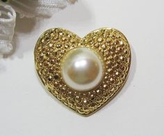 Vtg Heart Pin Gold Tone Brooch with faux Pearl Costume Fashion Ladies Valentine Jewelry ~ Vintage $5.00