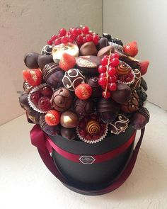 Food Bouquet, Candy Bouquet, Organic Chocolate, Chocolate Gifts, Bff Christmas Gifts, Edible Bouquets, Birthday Gifts For Best Friend, Chocolate Bouquet, Edible Arrangements