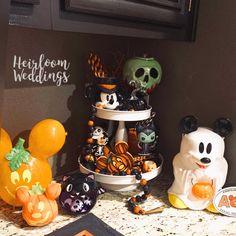 Halloween Home Decor, Halloween House, Holidays Halloween, Happy Halloween, Halloween Decorations, Halloween Countdown, Christmas Decorations, Holiday Decor, Disney Diy