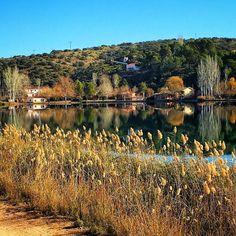 Por la otra orilla   On the other side.  Laguna del Rey Ruidera #mobilephotography