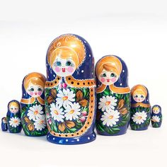 Matryoshka Doll Camomilesis a 7 pieces set of Russian nesting dolls. The matryoshka is painted in Sergiev Posad floral style with Chamomiles flowers - this is one of the most popular and most favorite subject of floral decoration in this style. Apple Boxes, Matryoshka Doll, Russian Folk, Wooden Jewelry Boxes, Traditional Paintings, Floral Style, Favorite Subject, Hand Painted
