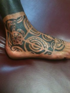 Marquesan Foot Tattoo by Dave Rodriguez #marquesantattooslegs #marquesantattoosmaori
