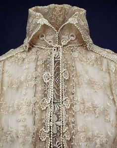 Vernon silk laces blouse, detail, worn by Queen Maud of Norway, 1915. Photo by Teigens Fotoatelier. The National Museum of Art, Architecture and Design, Oslo, Norway.