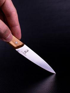 🔪 100% HANDARBEIT - Jedes Messer wird vom Meister in mühevoller Handarbeit in mehr als 60 Arbeitsschritten hergestellt und bearbeitet. Jedes Messer wird mit viel Liebe zum Detail hergestellt und geschliffen. Kitchen Knives, Steak, Classic, Cherries, Handmade, Handarbeit, Love, Derby, Steaks