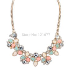 $2.00// Rhinestone bib necklace// Multiple colors available// Delivery: 2-6 weeks