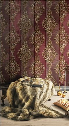 Red, the colour of fire and blood, a colour that ignites an array of emotions. From feelings of passion to associations with aggression and even danger. This is a perfect accent colour. Gold Wallpaper, Modern Wallpaper, Colors Of Fire, Golden Life, Gold Pattern, Accent Colors, Good Things, Warm, Wall Art