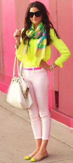 New Fashion Trends: Hot Fashion Trends - NEON / Acessories / Fashion / Woman / Style / Neon / Dress / Jeans / ✔BWC I love this look on her! Leary of the neons on me, but maybe it would work? Beauty And Fashion, I Love Fashion, Passion For Fashion, Womens Fashion, Colorful Fashion, Teen Fashion, Looks Street Style, Looks Style, Summer Outfits