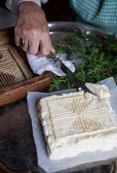 Piimäjuusto   Meillä kotona Finnish Recipes, Vegetarian Recipes, Cooking Recipes, Christmas Snacks, Recipes From Heaven, Diy Food, Deli, Brunch, Healthy Eating