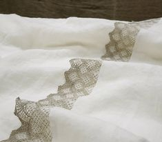 Linen TOP SHEET in off-white, lace trimmed flat sheets - Twin Full Queen California King shabby chic bed sheets - Excited to share the latest addition to my shop: Linen TOP SHEET in off-white, lace trimmed f - Twin Sheets, Linen Sheets, Linen Pillows, Flat Sheets, Linen Fabric, Linen Bedding, Sheets Bedding, Shabby Chic Bed Linen, Shops