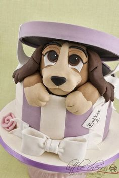Lady in a Hatbox Cake; this is so cool! Best disney cake ever.
