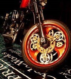 The coolest motorcycle wheel in history, motor bike, chopper, custom. Motorcycle Wheels, Car Wheels, Steampunk Motorcycle, Beauty And More, Gs500, Side Car, Motos Harley Davidson, Classic Car Show, Cool Motorcycles
