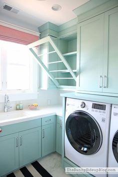 trendy home organization laundry room Laundry Room Colors, Small Laundry Rooms, Laundry Room Design, Laundry Closet, Laundry Room Organization, Folding Laundry, Trendy Home, Closet Storage, Decoration