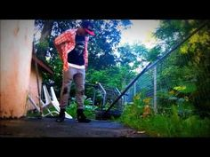 """Rashid """"R2ficial"""" Williams dancing to : Speo - Legend (DUBSTEP) Please comment, rate, and subscribe!!! Thanks for your support !!"""