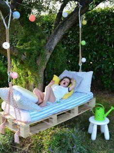 DIY swing from Euro pallets - 25 fairytale ideas for you .- DIY Schaukel aus Europaletten – 25 märchenhafte Ideen für Sie DIY swing from Euro pallets – 25 fairytale ideas for you - Diy Projects For Kids, Diy Pallet Projects, Outdoor Projects, Diy For Kids, Pallet Ideas, Pallet Garden Ideas Diy, Pallet Swing Beds, Diy Swing, Pallet Swings