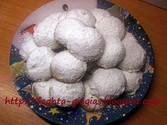 Greek Desserts, Mini Desserts, Greek Recipes, Sweets Recipes, Cookie Recipes, Kourabiedes Recipe, Greek Cookies, Xmas Food, Shortbread