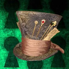 This are instructions to make the Mad Hatter Hat from the new Tim Burton& Alice in Wonderland Mad Hatter Party, Mad Hatter Tea, Diy Mad Hatter Hat, Mad Hatters, Mad Hatter Costumes, Mad Hatter Makeup, Cosplay Tutorial, Cosplay Diy, Hat Tutorial