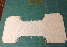 Momentos de Costura: Tutorial bolsas guarda labores de ganchillo Girl Dress Patterns, Coat Patterns, Knitting Patterns, Skirt Patterns, Blouse Patterns, Free Crochet Bag, Crochet Tote, Sewing Hacks, Sewing Projects