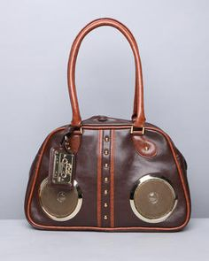 Love this! Would totally bump some tunes at the beach w/this bag! <3