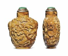 A carved root amber snuff bottle, 1750-1860