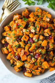We all love the Classic Potato Salad , but have you made a Sweet Potato Salad yet? This tasty Moroccan Sweet Potato Salad is a new summerti. Potato Salad Recipe Easy, Salad With Sweet Potato, Sweet Potato Soup, Sweet Potato Recipes, Healthy Dishes, Healthy Salad Recipes, Healthy Soup, Healthy Meals, Fodmap